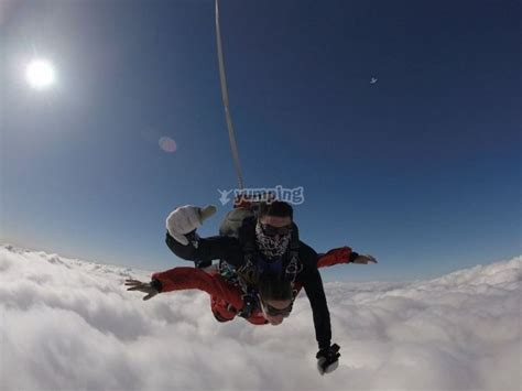 Saltar en paracaídas con instructor en Requena   Ofertas ...