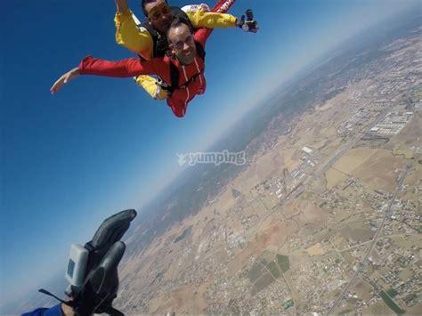 Salto en paracaídas con vídeo aeropuerto Córdoba   Ofertas ...