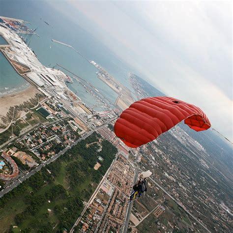 Salto en paracaidas tándem en Castellón
