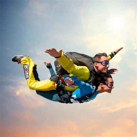 Salto en paracaidas tándem en Empuriabrava  Girona
