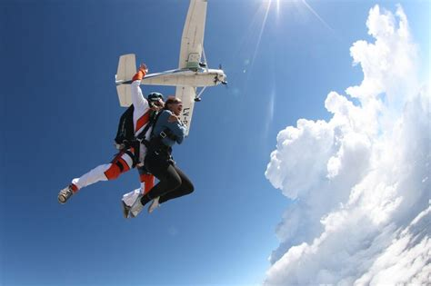 Salto Tandem en Paracaidas   Paracaidismo y Saltos