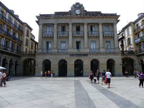 San Sebastián. Plaza de la Constitución. #SanSebastiám ...