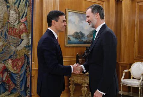 Sánchez promete su cargo ante el rey de España