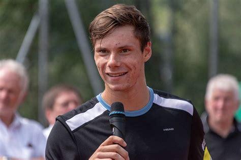Sandro Kopp durch Wildcard in Kitzbühel Qualifikation : MY ...