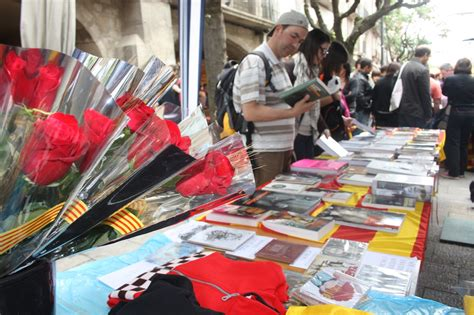Sant Jordi s Day in Barcelona: a stroll that you can t ...
