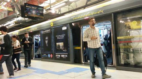 Sao Paulo, Brasil. En la Estación Paulista del Metro de ...