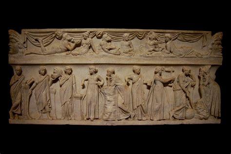 Sarcófago romano de las Musas, s. II d. C. París, Museo ...