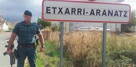 SARE ANTIFAXISTA: Guardias civiles posan en Sakana como si ...