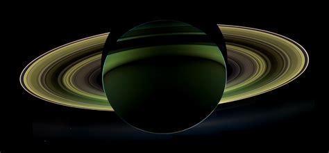 Saturno de noche