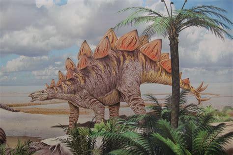 Saurian: Dinosaurs, Plants & Coevolution