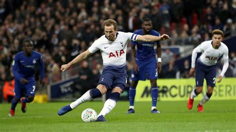 'Bring it home': Harry Kane urges Tottenham to end trophy ...