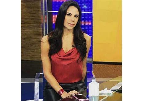 Se muestra Paola Rojas al natural y levanta corazones ...