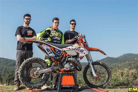 Se presenta el team jrb maquina motors ENDUROMAGAZINE