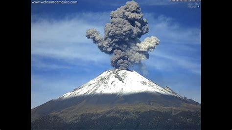 Se registra erupción del volcán Popocatépetl   Univision