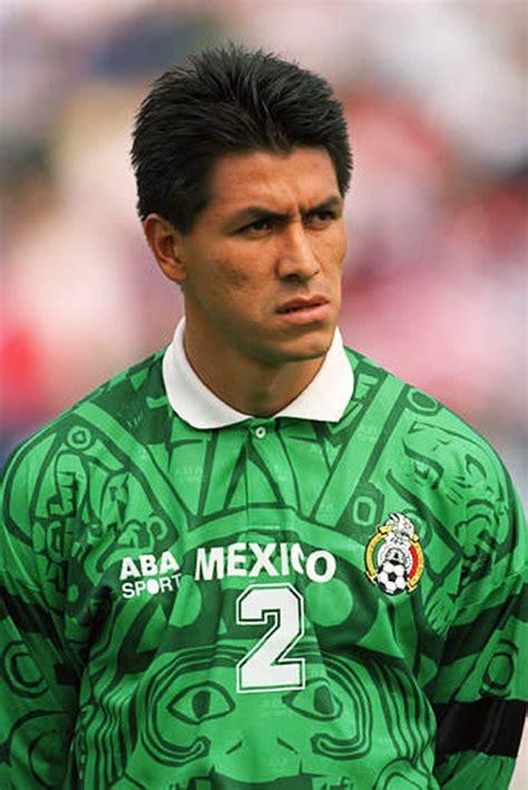 'El Emperador' Suárez inducted into soccer Hall of Fame
