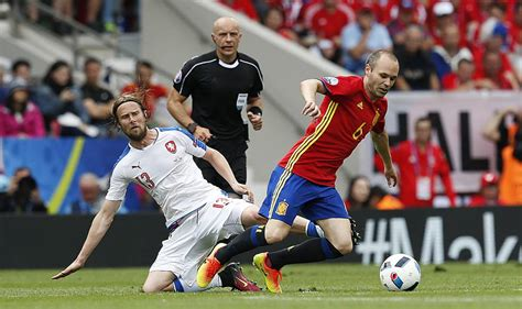 Selección Española: Juega Iniesta | Deportes | EL PAÍS