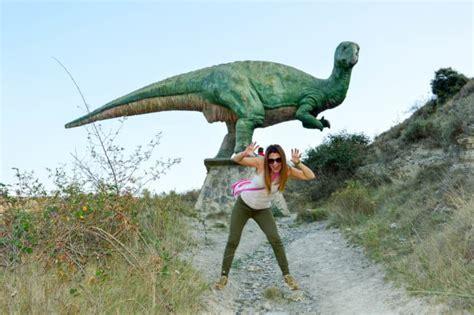 Senda de los Dinosaurios Enciso y Termas Naturales ...