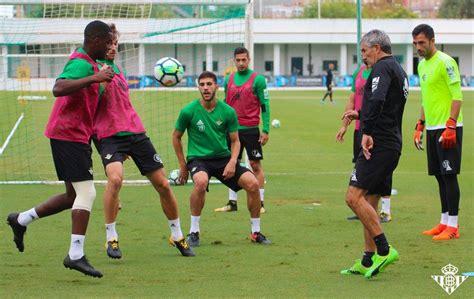 Setién convoca 20 futbolistas para el duelo ante la UD ...