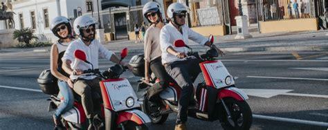 Sevilla estrena el servicio de motos eléctricas ...