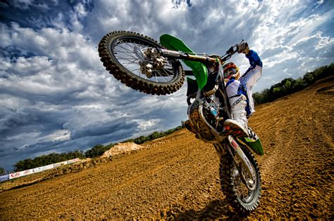 Shooting Motocross at a Dirt Track   Scott Kelby s ...