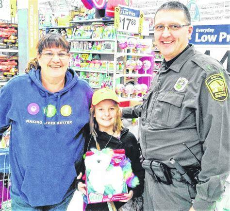 Shop With A Cop stops at Walmart   Times Gazette