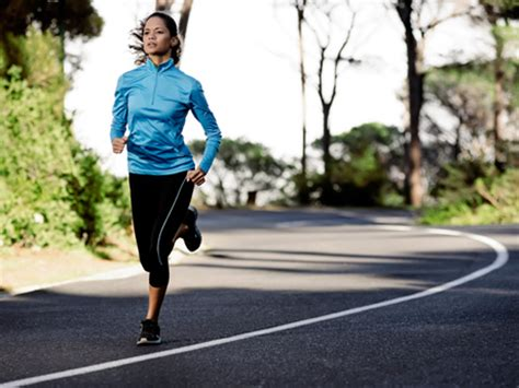 Should You Fast or Eat Before a Run? | ACTIVE