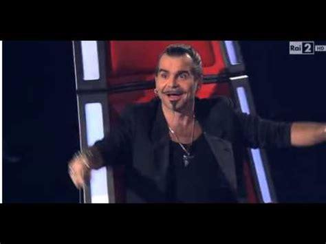 Show de freira no The Voice Italiano, canta muito.   YouTube