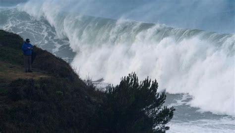 Siete provincias en alerta por viento y olas este viernes ...