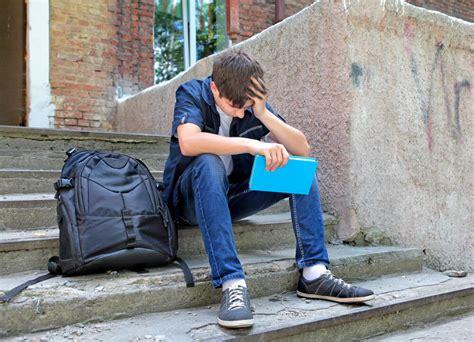 Signos y síntomas de la depresión en personas jóvenes   La ...