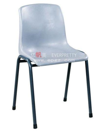 sillas de plastico baratas
