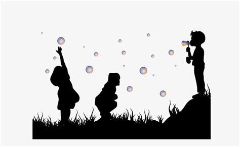 Siluetas De Niños Jugando En La Hierba | Silueta de niña ...