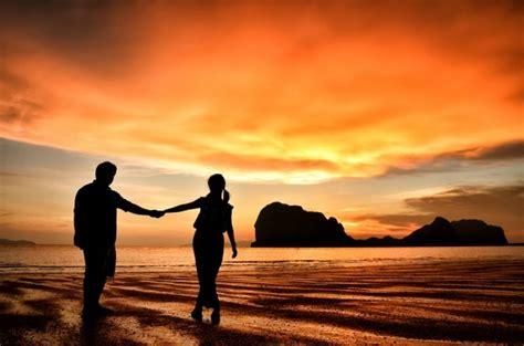 Siluetas De Parejas Romanticas | Fotos y Vectores gratis