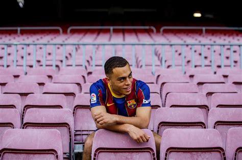 Sin Junior Firpo ni Jordi Alba, Dest apunta al once ante ...