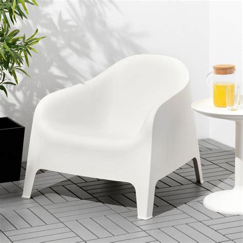 SKARPÖ Armchair, outdoor   white in 2020   Ikea garden ...