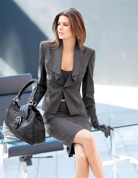 Skirt Suits Designs For Work 2017 in 2020 | Fashion, Skirt ...