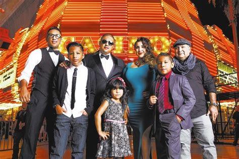 'Los Vargas' has crazy, good times   Las Vegas Review Journal