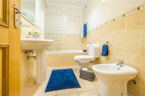 Small Bathroom Decorating Ideas | Small Bathroom Ideas