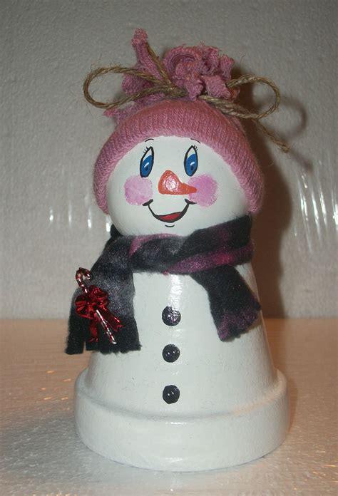 Small clay pot snowman | Clay pot crafts