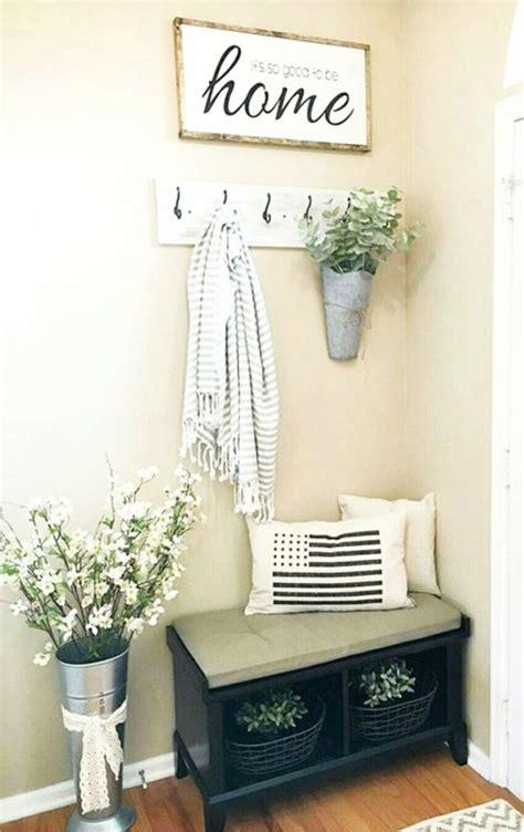 Small Entryways   29+ Small Foyer Decor Ideas For Tiny ...