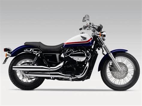 Sobre motos: Honda lança custom VT750S para a Europa