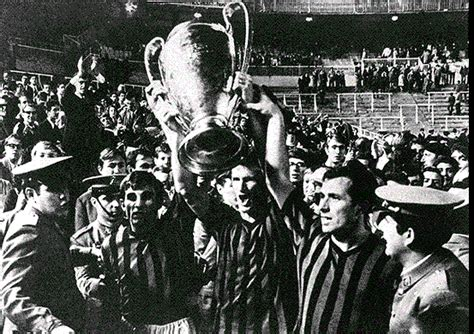 Soccer, football or whatever: AC Milan Greatest All time team
