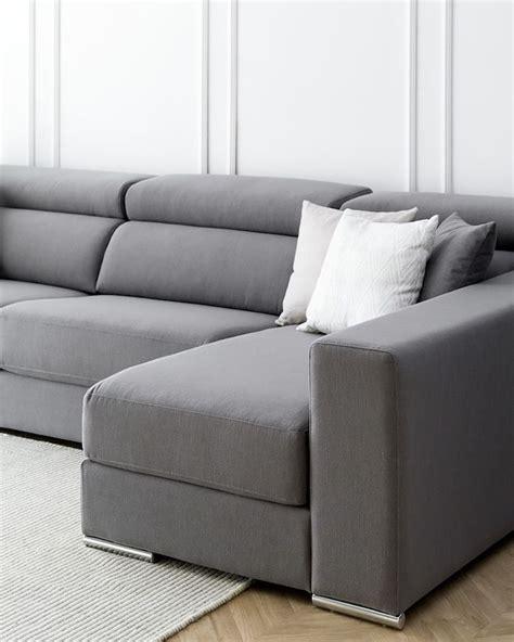 Sofá tapizado en tela Dolmen   Kenay Home en 2020 | Sofa ...