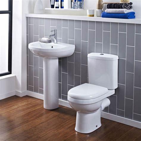 Sofia Modern Close Coupled Toilet With Soft Close Seat ...