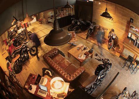 Soirée évènement atelier moto Lyon | Man cave garage, Idée ...