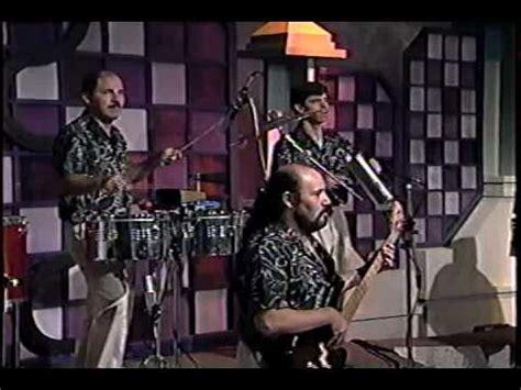 Sonora Tropicana Que Bello en vivo..   YouTube