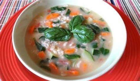 Sopa de avena con pollo y verduras | Recetas de Pollo