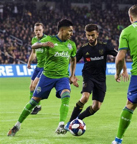 Sounders FC Awarded Sports Story of the Year, Forward Raul ...