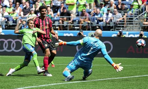 Sounders stay unbeaten at home, knocking off defending MLS ...