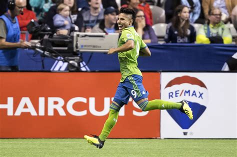 Sounders win 9th straight, beating Whitecaps 2 1 | The ...