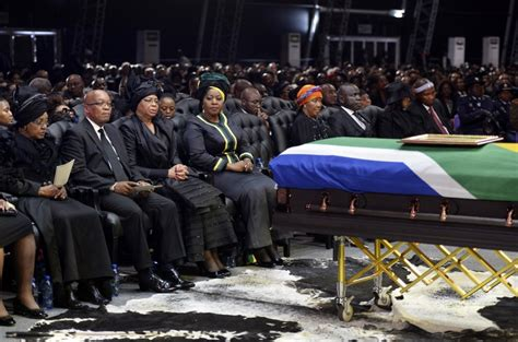 South Africa\ s First Black President Nelson Mandela Laid ...